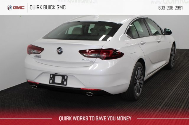 New 2019 Buick Regal Sportback Essence AWD